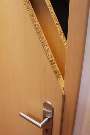 Ein Blick in das Innere einer Schallschutztür.