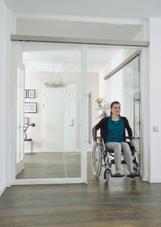 Glasschiebetür für barrierefreies Wohnen.